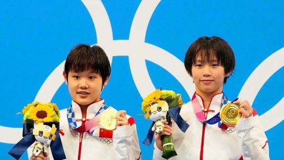 """中国""""05后""""队员获跳水金牌、高校学生自发整理灾区求助信息……听,教育早新闻来了!"""