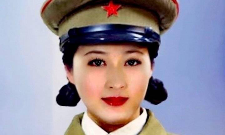 当代国画家徐鹤建军90周年军装照片插画集锦