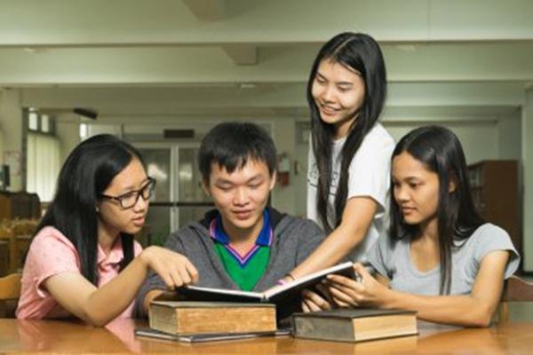 潍坊科技学院2021届毕业生优秀毕业设计作品展开幕