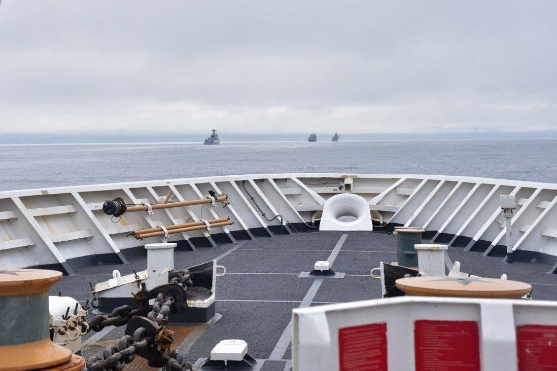 中国055大驱逼近阿拉斯加,经济区自由航行