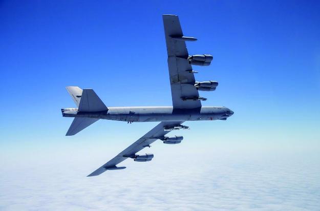 美专家设想B-21驶向中国领空