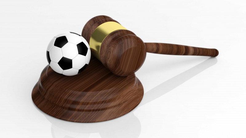 以热点事件解读法律实务,足球仲裁权威为业界普法