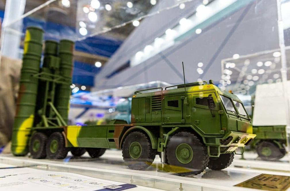 美媒:乌克兰推出新型防空系统,命名SD-300,可拦截100公里外弹道导弹!