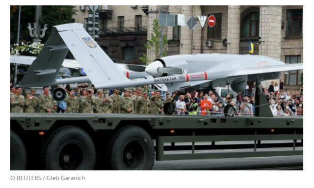 乌首次派土耳其TB2无人机空袭顿巴斯,导弹命中了目标又似乎没中