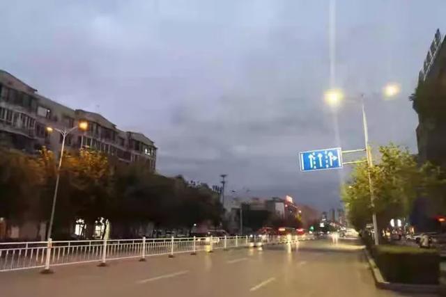 辽阳县提升亮化景观 扮靓城市夜景