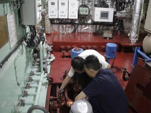 荆州海事局联合多部门开展水上交通安全生产大检查