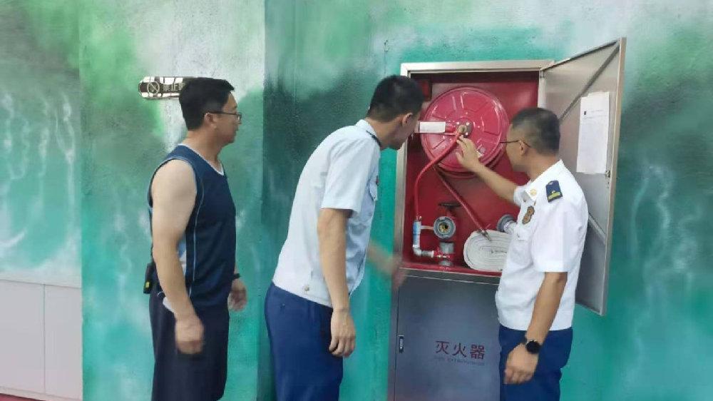 鹤岗市东山区消防救援大队主动上门为辖区企业提供消防技术服务