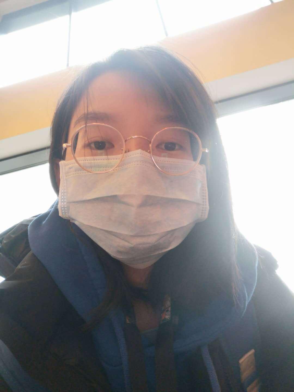 武汉留学生在英国:外国人见我戴口罩转身就跑了