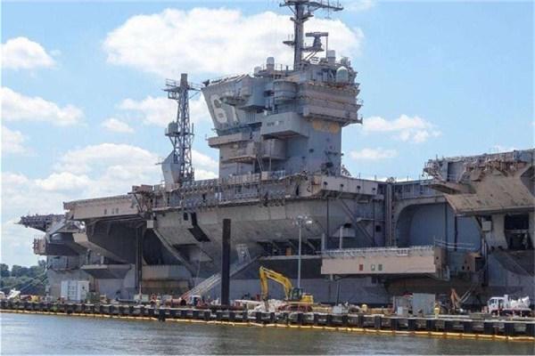 堪比6艘山东舰的12万吨核航母,100米外引爆数千磅炸药