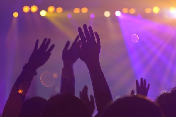 《长津湖》《功勋》等主旋律影视作品受观众认可,正能量为何能获得大流量?