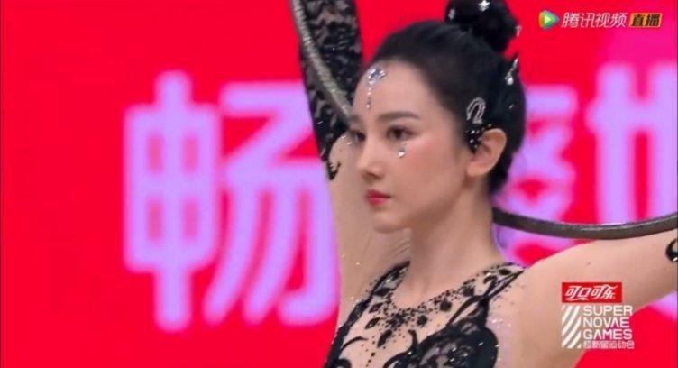 陈小纭太美了,她还是射箭冠军,优秀本人