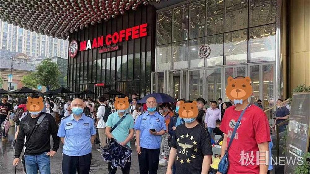 """游客爆棚的汉街连续10天扒窃""""零发案"""""""