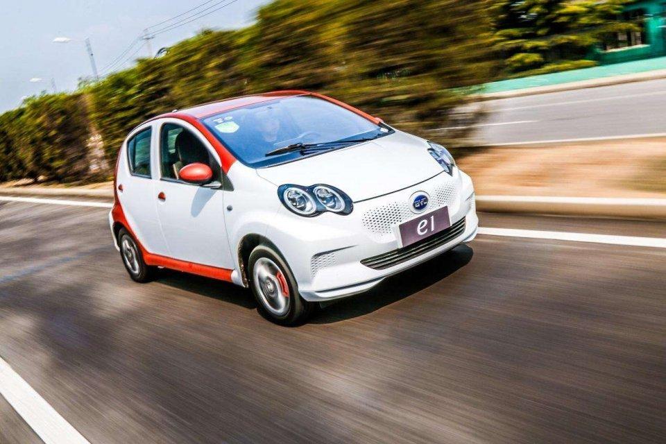 都是微型电动车 比亚迪e1和欧拉r1 怎么选 新浪汽车