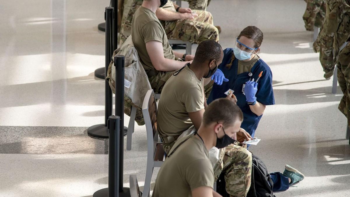 美媒:美国空军和民警卫队,将有1.3万人面临超接种时限处罚