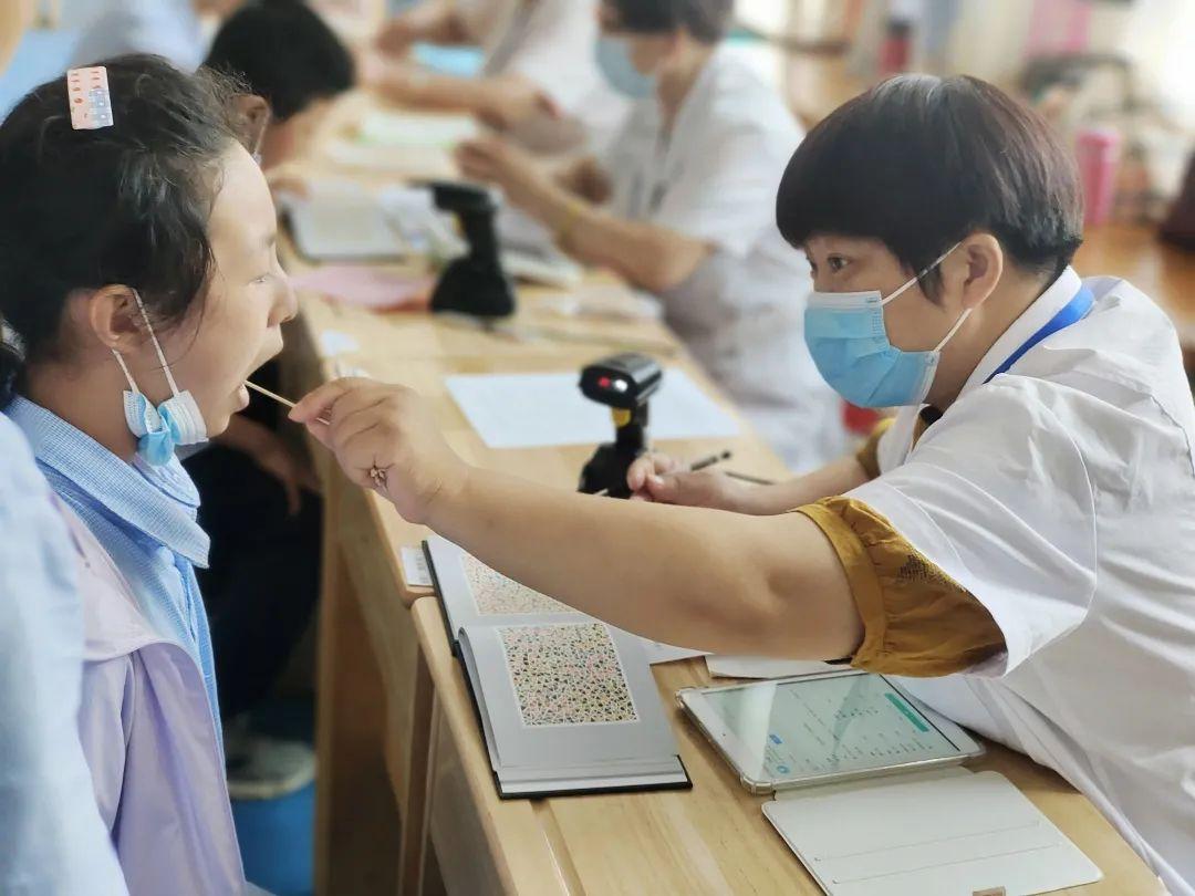 连云港中小学生健康体检管理进入智能化时代