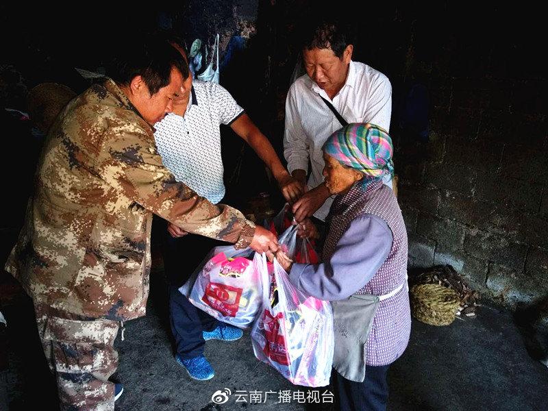 心系百姓,他倒在扶贫路上——记驻桃李村扶贫工作队第一书记普文斌
