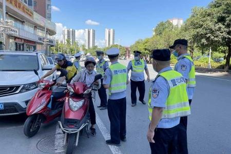 河源东源县警方连日开展道路安全专项整治行动