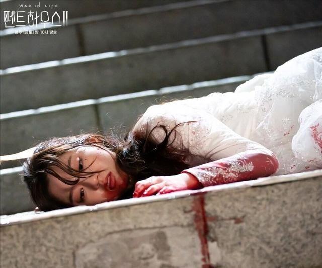裴露娜真的死了吗?顶楼第二季迎来反转!第六集剧情介绍