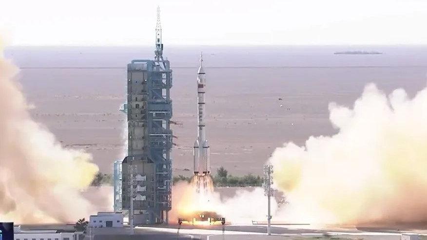 神舟十二号载人飞船发射圆满成功!170秒回顾中国载人航天之路,每一