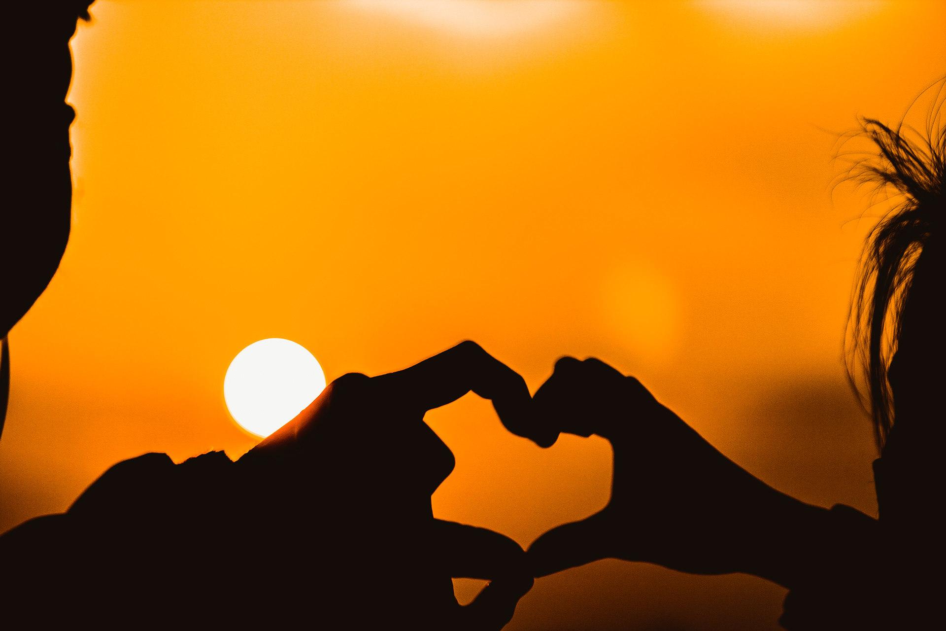 人们说日出海和黄昏海最美 一个是平静祥和 一个是浪漫柔和