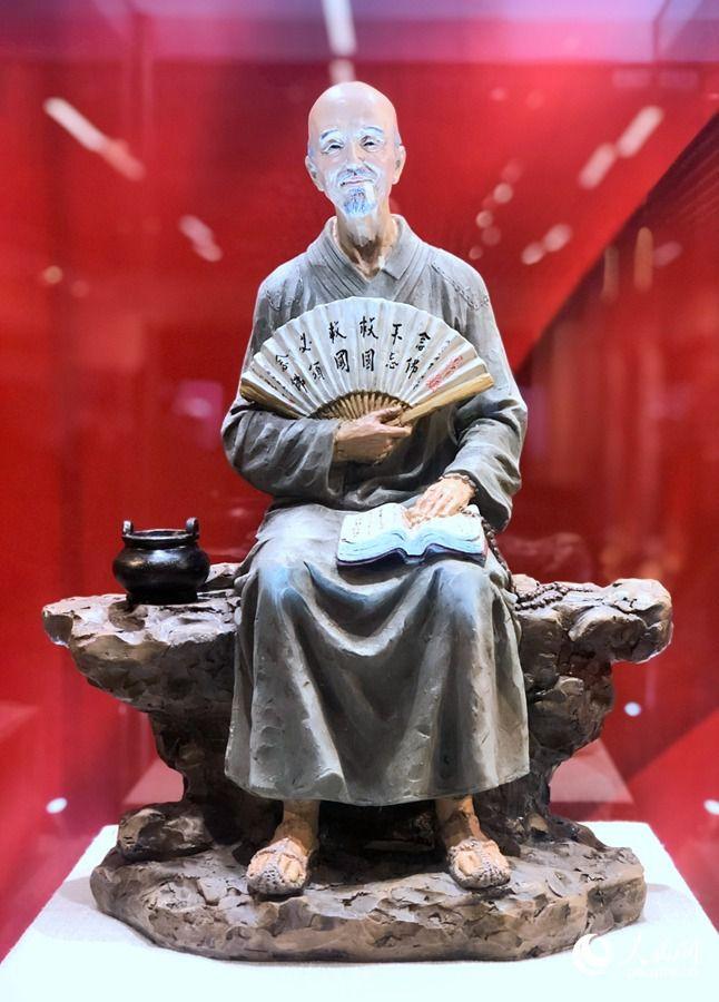 福建宗教爱国故事陶瓷艺术展亮相福州三坊七巷