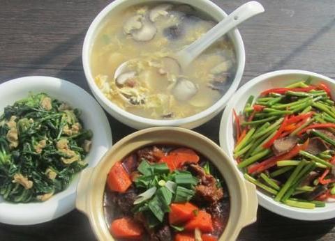 三伏天,农村阿婆常吃这3道家常菜,没肉却很下饭,每天吃都不腻