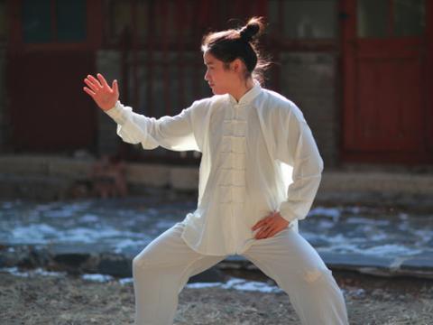 雷雷怒了:没学太极的中国拳手更不行