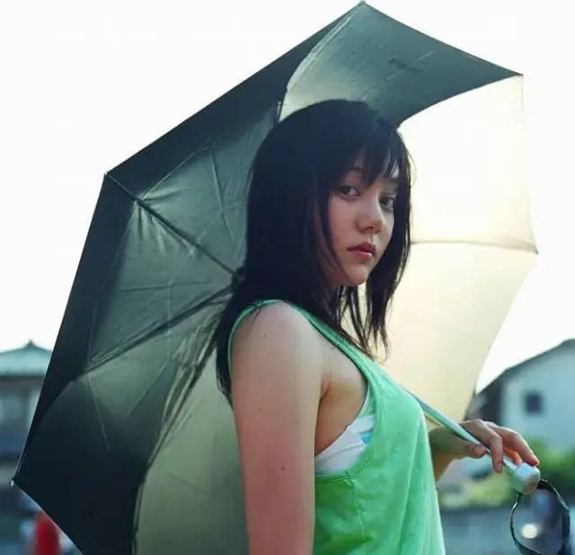 周杰伦《头文字D》续集确定无望,女主角铃木杏15年后样子大变样