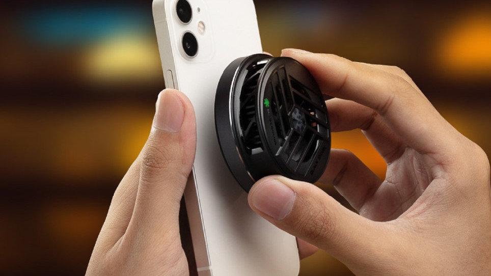 为苹果手机做游戏配件是认真的!黑鲨冰封制冷背夹2磁吸版发布
