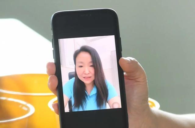 """武汉儿童福利院走出首位女研究生!她收到""""妈妈""""的视频哭了又笑了……"""