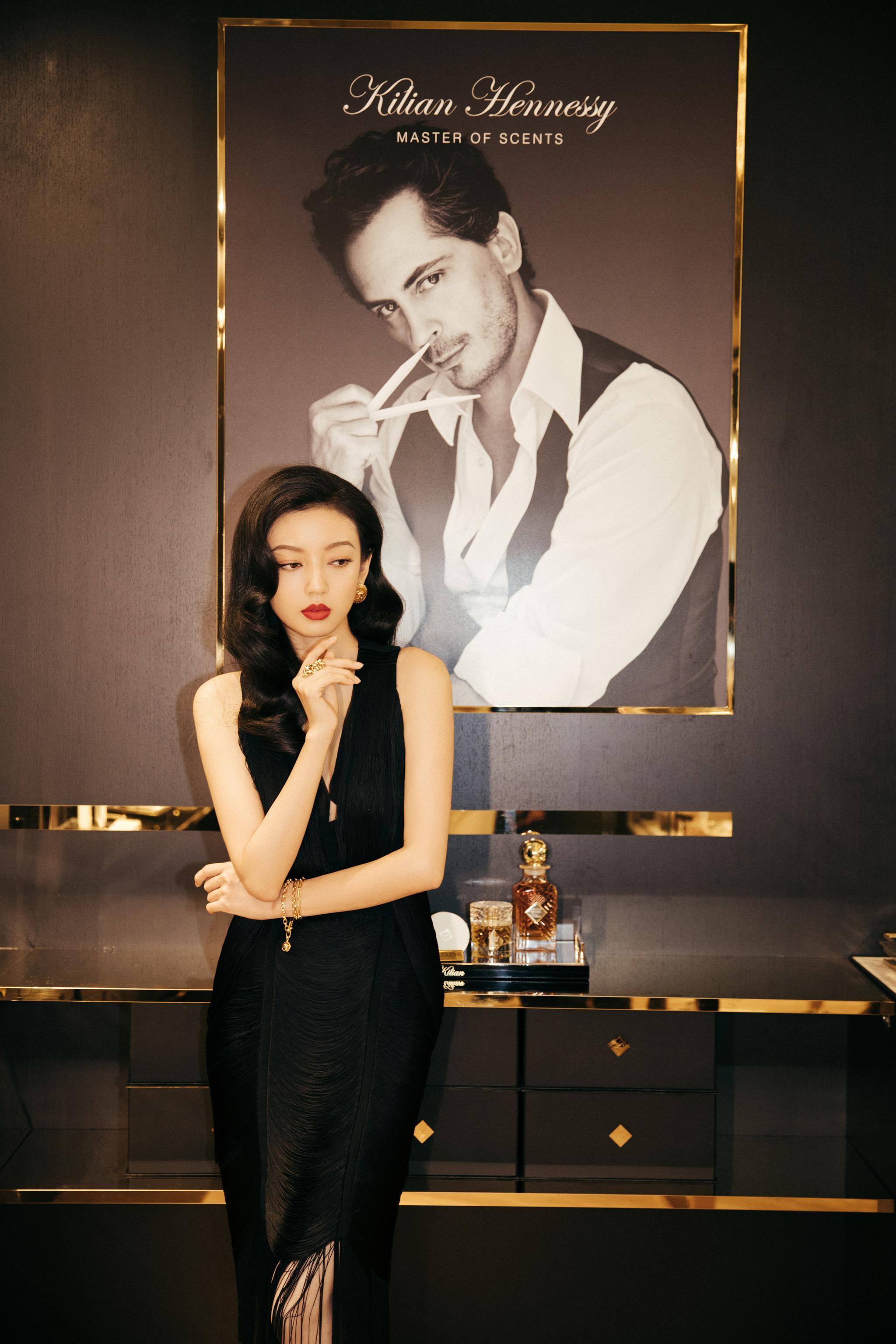 欢娱影视演员@何瑞贤 亮相KILIAN凯利安香氛艺术酒廊活动