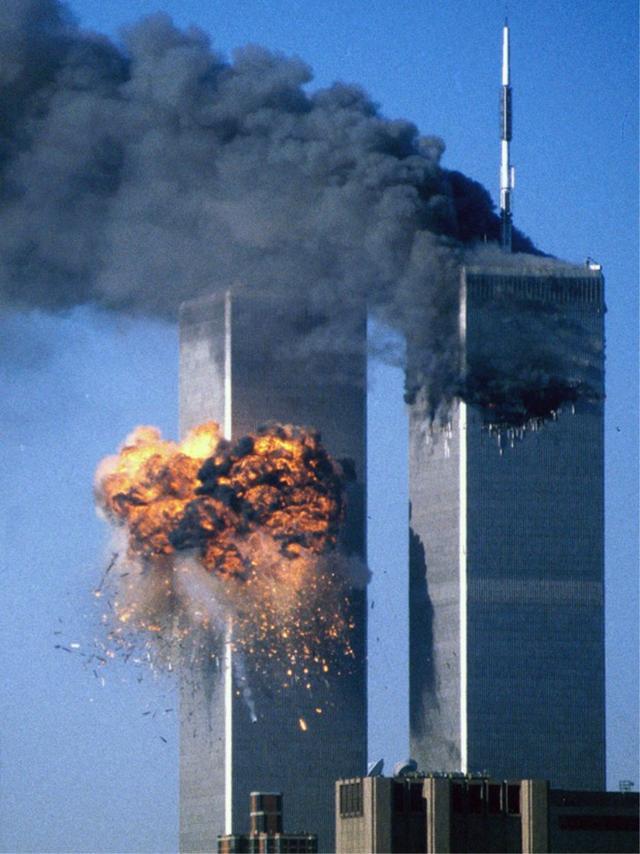 世贸大厦倒塌原因_911世贸大厦撞击全过程,建造花了10年,倒塌仅用了2小时|北塔 ...