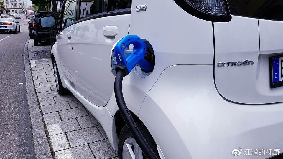 国家11字谈新能源汽车,新能源汽车市场的大风口要来了吗?