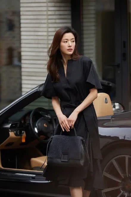 39岁全智贤成总裁夫人 老公继承200亿家产