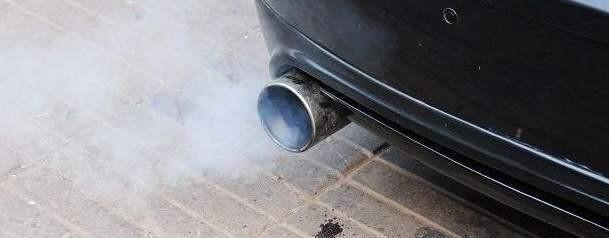 怎么判断车子烧机油是不是气门油封老化了?教你几招即可知道!