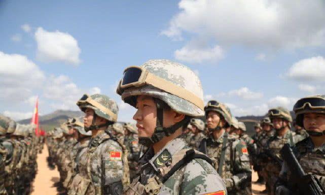 """现场!""""金龙-2020""""中柬两军联合训练在柬埔寨开训"""