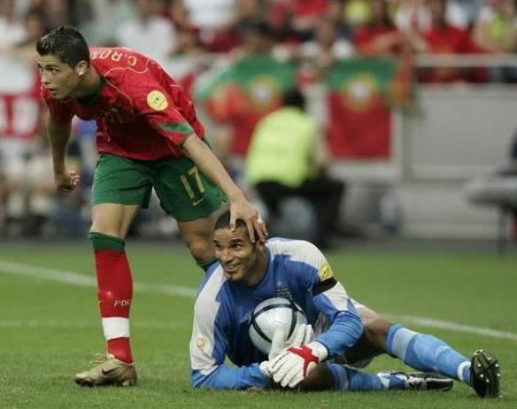 欧洲杯最经典一战?万博小贝点球踢上看台 让英格兰绝望