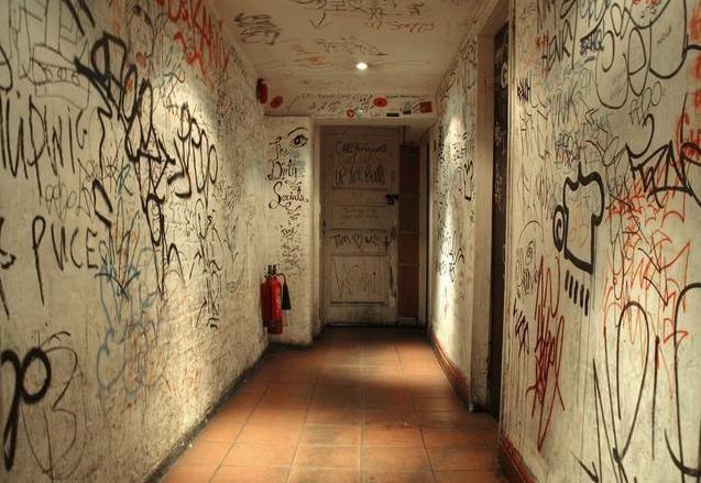 """孙俪放任俩娃在家涂鸦,导致多很多""""限量家具"""""""