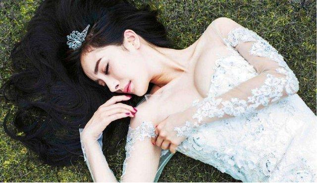 同样是鱼尾婚纱 杨幂撩人,李小璐甜美,最后却被吴昕惊艳了