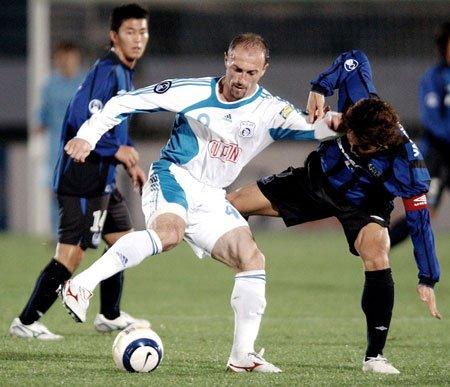 大连足球史上今天:2006年亚冠实德0比3大阪钢巴,创外战惨败纪录