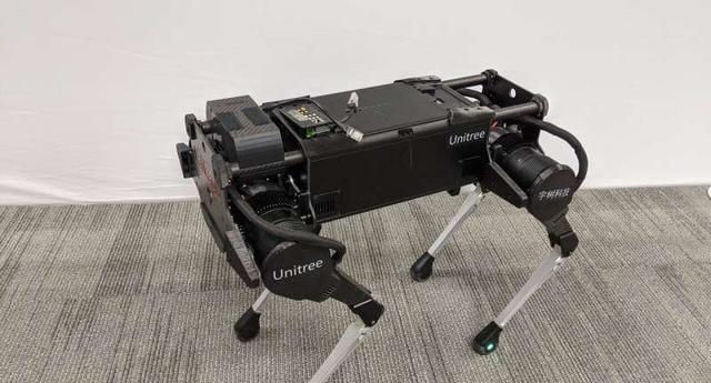 在机器人中重现不同动物运动技能的系统