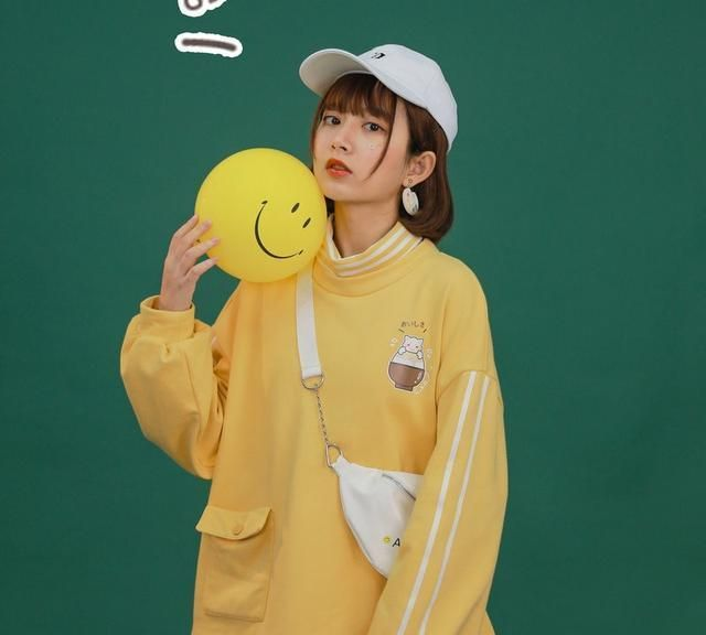 夏日怎么穿更显白?「黄色系穿搭」别错过,减龄十足!