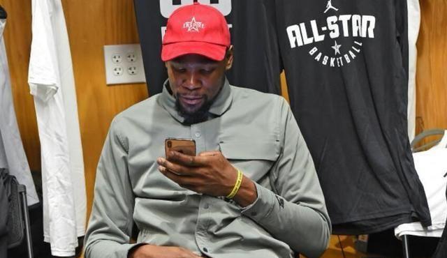 Durant按讚美女照片,遭網友點名怒噴,卻毫無脾氣連忙道歉?這原因讓人無語!