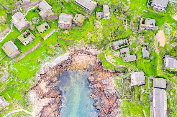 浙江被遗弃的绝美村庄,面朝大海