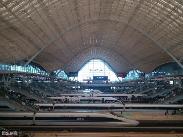 武汉最大的火车站,由于位置偏远,好多武汉人都不知道它在哪个区