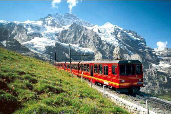 坐火车就能去的3个国家,车票最低200块,一路风景美到爆炸