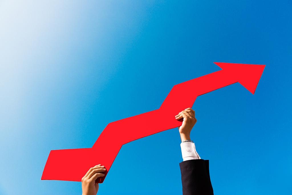 《【万和城品牌】富时A50上涨84点,美股飙涨1000点,A股周一能大涨吗?》