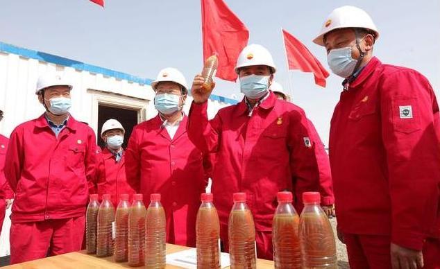 《【无极2娱乐测速登录】令人欣喜!中国发展亿吨级的大油气田,位于新疆的塔里木盆地之中》