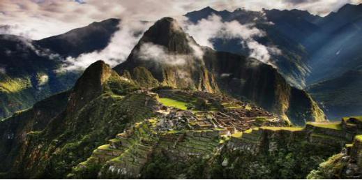 世界上唯一不下雨的城市,600年從未下雨,900萬人僅靠一條河生活