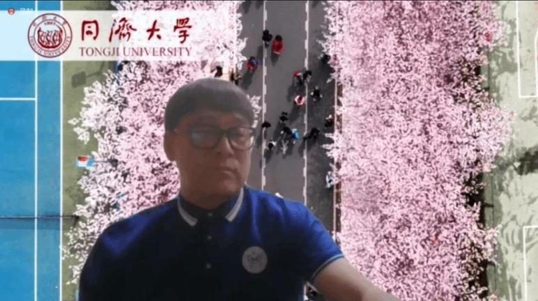 曲圣卿兼任同济大学篮协主帅。